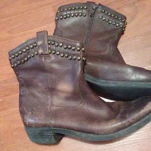 Boys Frye boots size 3.5 well worn brown studded